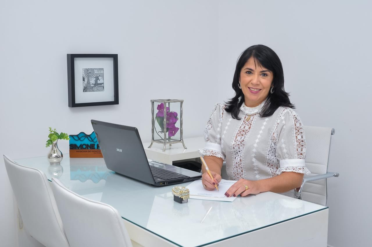 Dra. Simone Prezotti